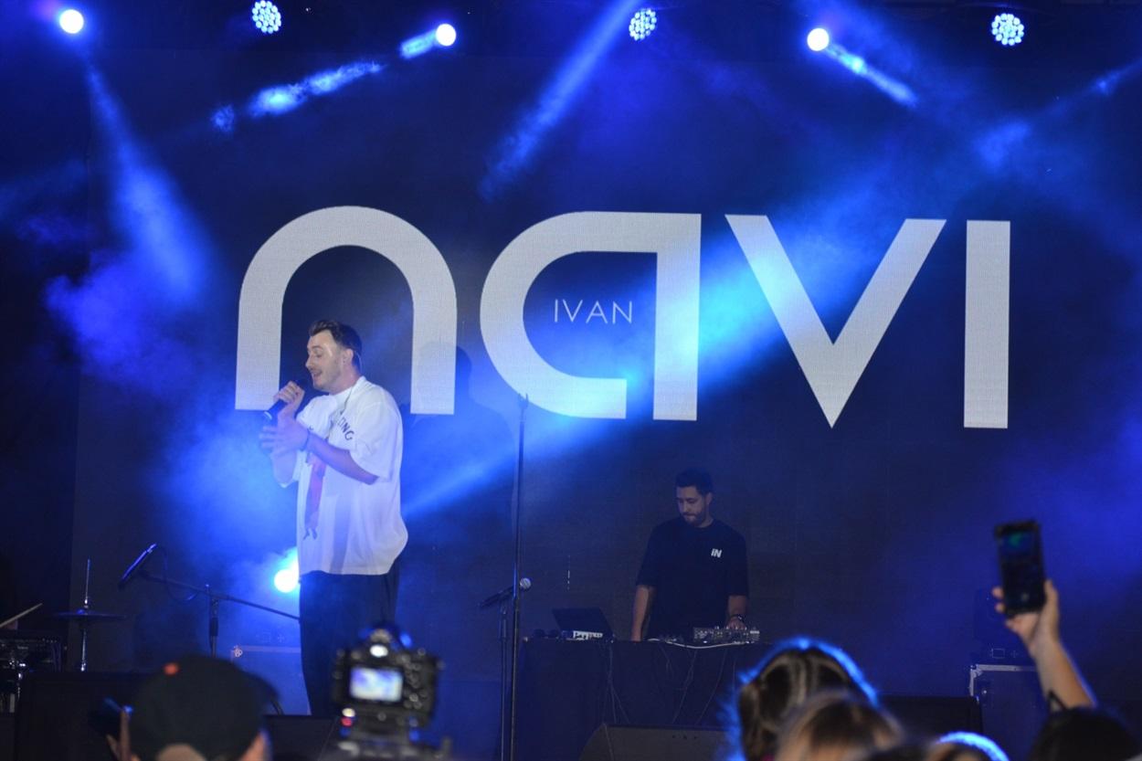 Ivan NAVI зажигал на сцене в Южноукраинске, а зрители подпевали ему.